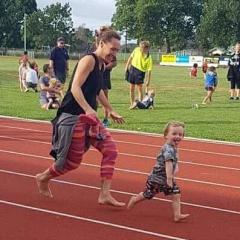 Bowel Cancer Ambassador Jenny-May Clarkson gets moving
