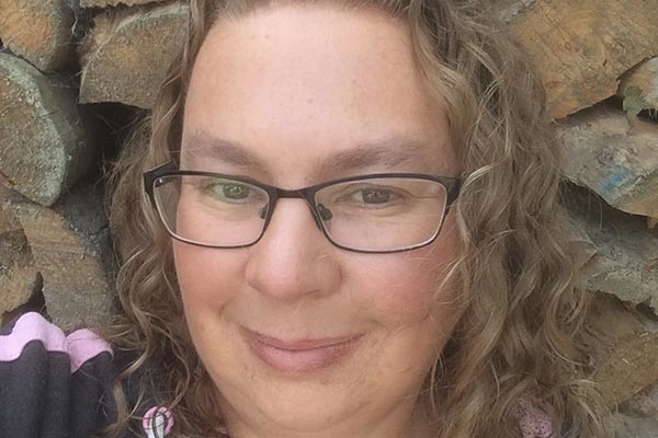 Renee's Story - About Bowel Cancer